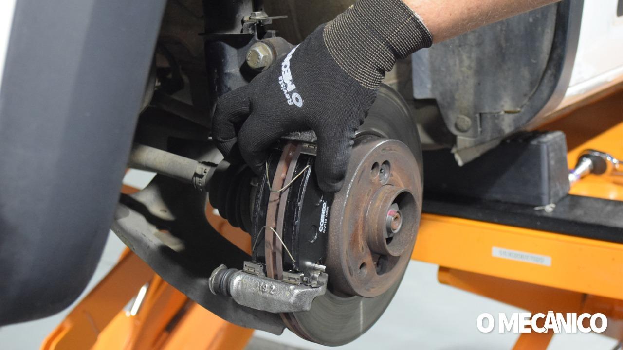 Manutenção dos freios dianteiros do Renault Kwid 2019/2020