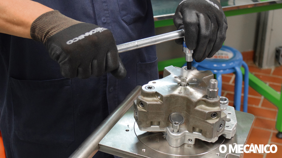 Diagnóstico e Análise Interna da Bomba Injetora Diesel Bosch CP3