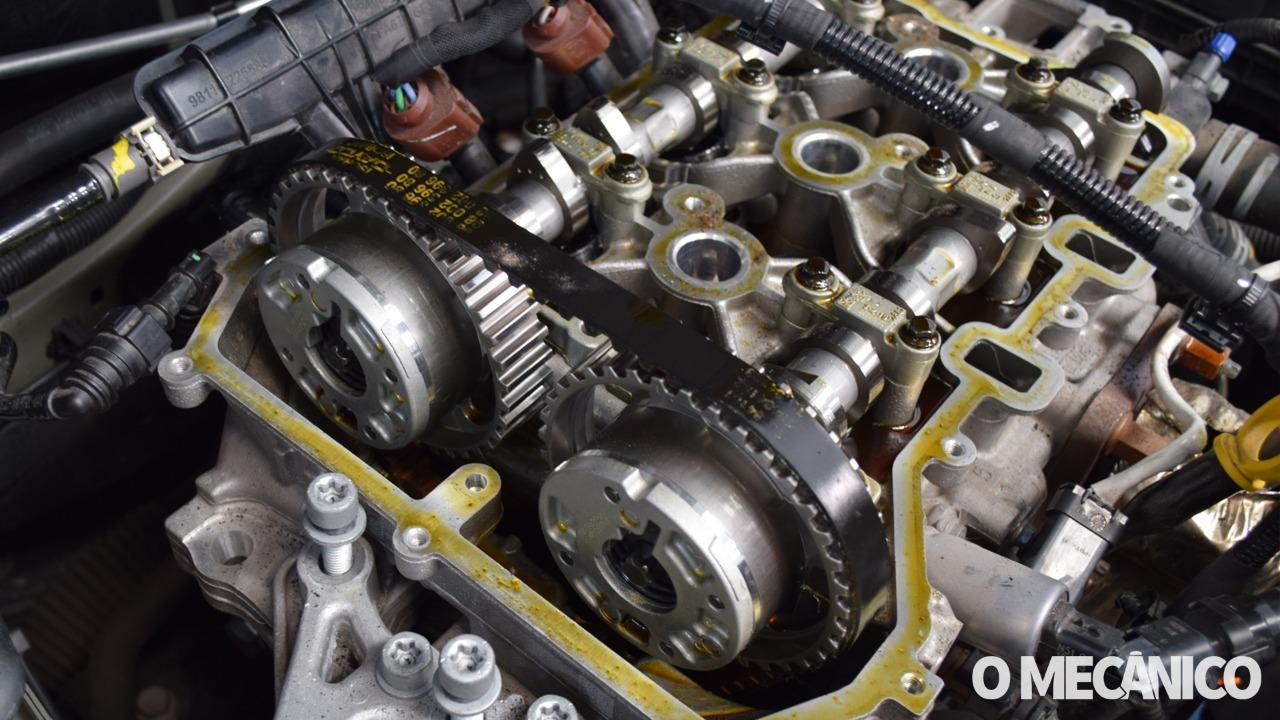 Substituição da correia de sincronismo do motor PSA Peugeot Citroën 1.2 Puretech